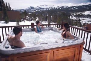 3-person-hot-tub