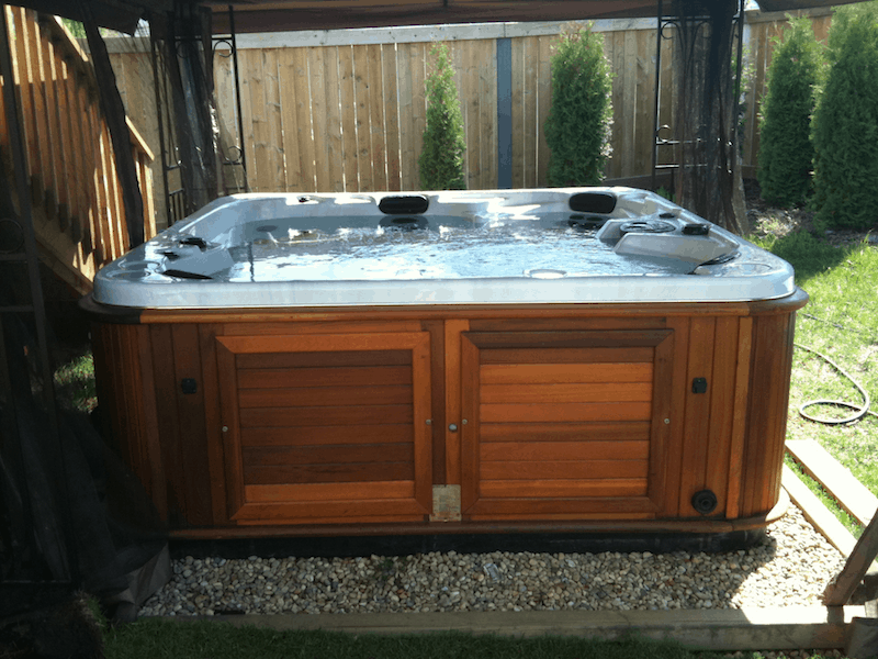 Arctic spas hot tub ten year old used hot tub still looks for Hot tub and sauna
