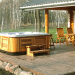 arctic-spas-hot-tub-on-open-patio