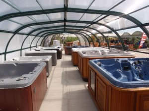 Hot tubs oxford uk arctic spas hot tub store for Abingdon swimming pool opening times