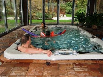 Swim spa family conservatory arctic spas for 16 image the family salon